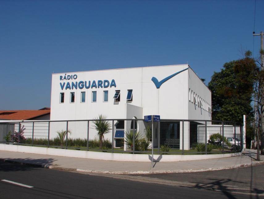 Rádio Vanguarda